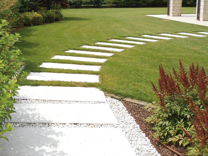 Pavimentazione per giardino in pietra padova vicenza - Camminamento pietra giardino ...