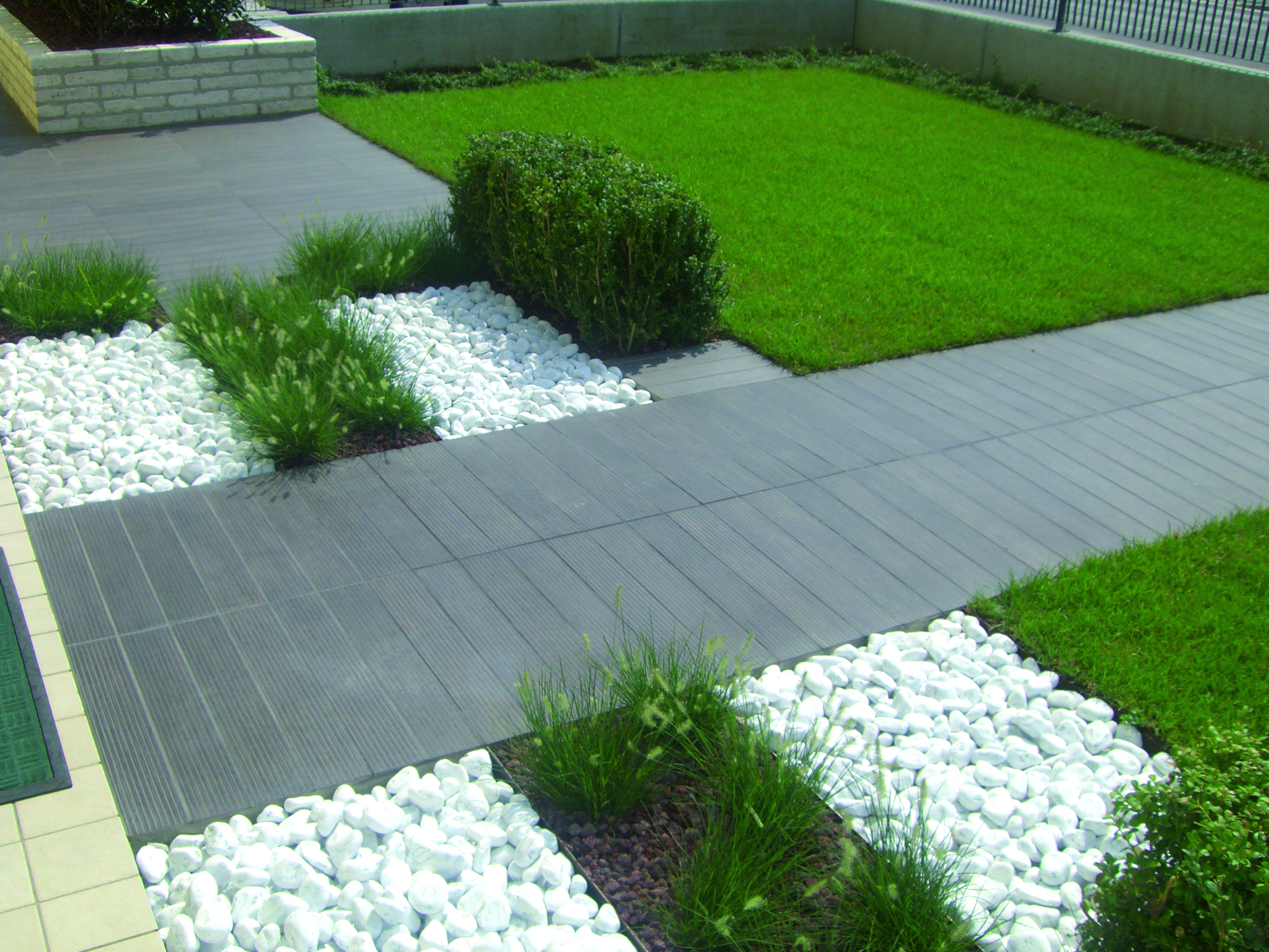 Pavimento da esterno in gres antiscivolo giardini cesare pavin