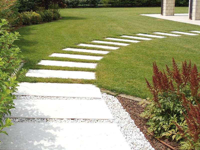 Pavimentazione per giardino in pietra padova vicenza treviso e venezia giardini cesare pavin - Camminamento pietra giardino ...